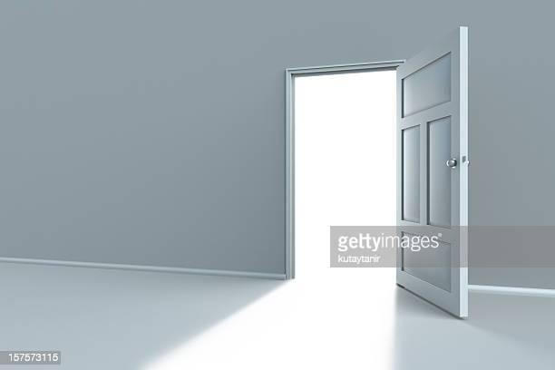 オープンしたばかりのドア
