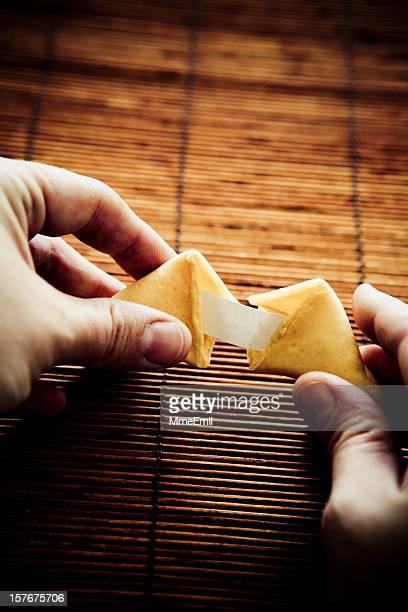 Ouvrir un Biscuit divinatoire