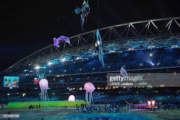 Opening Ceremony Of The Olympic Games Sydney 2000. Cérémonie d'ouverture des Jeux Olympiques de Sydney 2000 : méduses géantes dans un des premiers...