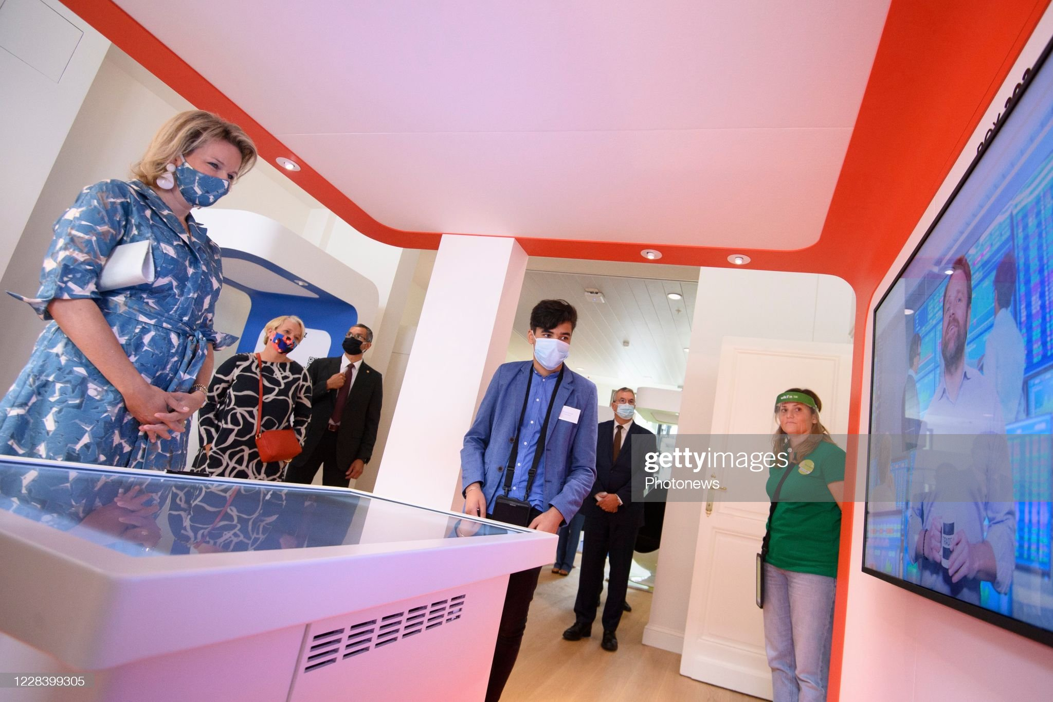 opening-of-the-new-wikifin-lab-in-the-presence-of-the-queen-mathilde-picture-id1228399305