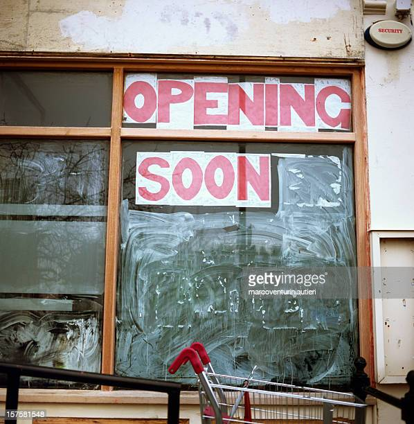 opening soon store sign - marcoventuriniautieri stock pictures, royalty-free photos & images