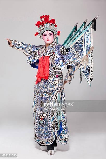 opera figures - vestido tradicional fotografías e imágenes de stock