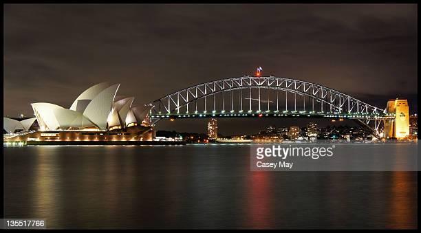 opera house and harbour bridge - シドニー・オペラハウス ストックフォトと画像