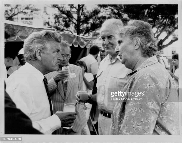 Bob Hawke talks with the Whitlams before the Opera January 12 1985