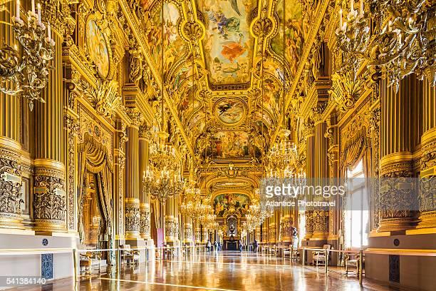 opera (opera house) national de paris, or palais (palace) garnier, the grand foyer - opernhaus palais garnier stock-fotos und bilder