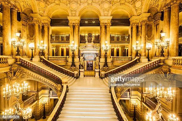opera (opera house) national de paris, or palais (palace) garnier, the monumental staircase - opernhaus palais garnier stock-fotos und bilder