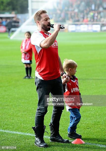 Opera Singer and Fleetwood fan Alfie Boe sings the national anthem during the Sky Bet League One match between Fleetwood Town and Sheffield United at...