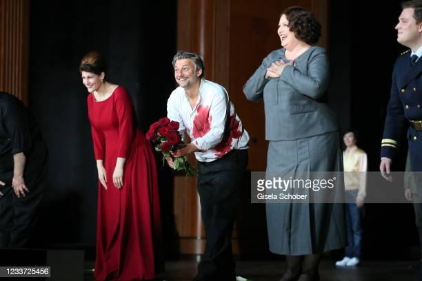 """Opera singer Anja Harteros Jonas Kaufmann and Okka von der Damerau after the premiere of """"Tristan und Isolde"""" as part of the Munich Opera Festival..."""