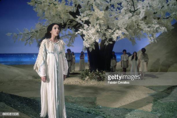 Opera singer Carolyn Watkinson stars in the 1985 Italian film Orfeo Directed by Swiss director Claude Goretta the film is based on the opera of the...