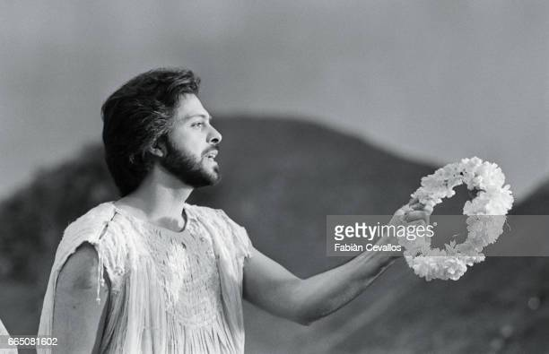 Opera singer Gino Quilico stars in the 1985 Italian film Orfeo Directed by Swiss director Claude Goretta the film is based on the opera of the same...