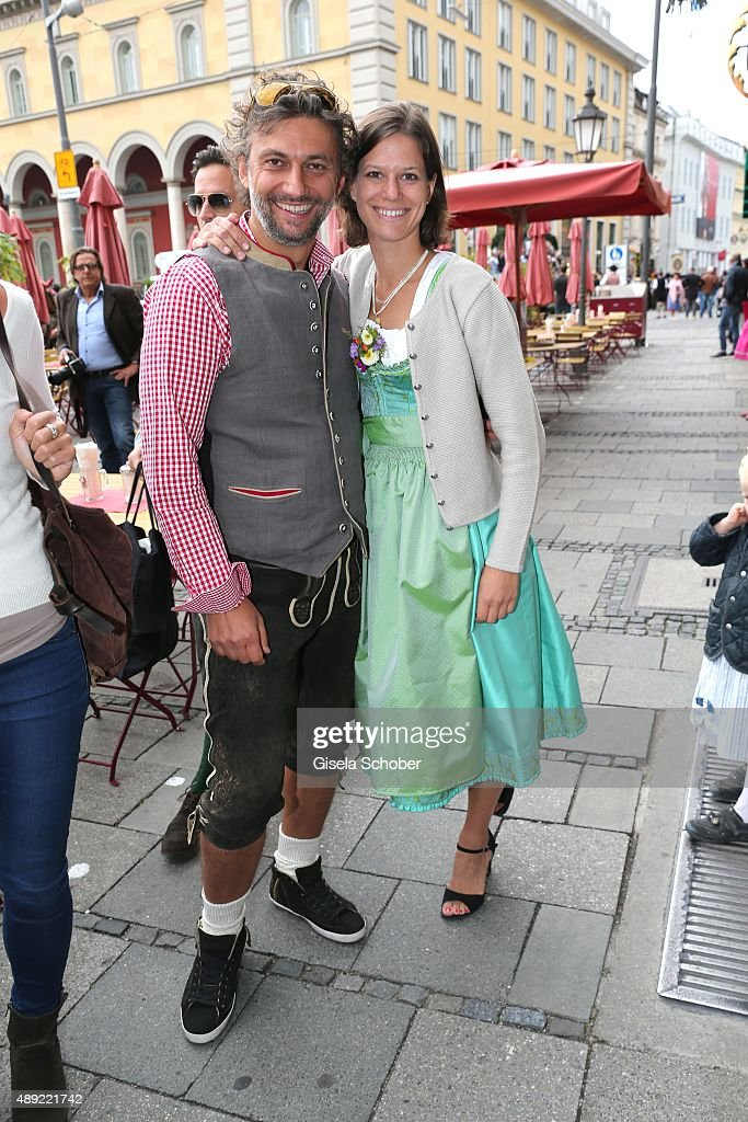 Opera Singer Jonas Kaufmann and his girlfriend Christiane Lutz during the 'Fruehstueck bei Tiffany' at Tiffany Store ahead of the Oktoberfest 2015 on September 19, 2015 in Munich, Germany.