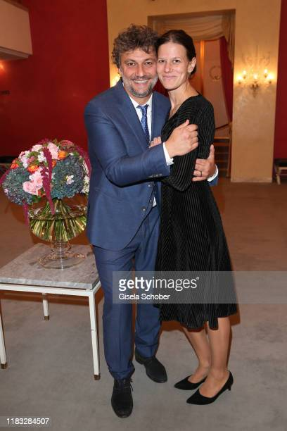 "Opera singer Jonas Kaufmann and his wife Christiane Lutz at the opera premiere of ""Die tote Stadt"" by Erich Wolfgang Korngold at Bayerische..."
