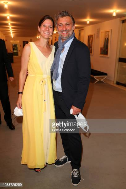 """Opera singer Jonas Kaufmann and his wife Christiane Lutz during the premiere of """"Tristan und Isolde"""" as part of the Munich Opera Festival 2021 at..."""