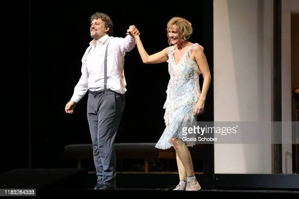 "Opera singer Jonas Kaufmann and Marlis Petersen during the final applause of the opera premiere of ""Die tote Stadt"" by Erich Wolfgang Korngold at..."