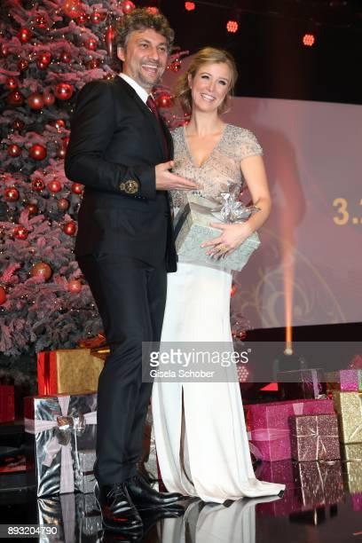 Opera singer Jonas Kaufmann and Nina Eichinger during the 23th annual Jose Carreras Gala at Bavaria Filmstudios on December 14 2017 in Munich Germany