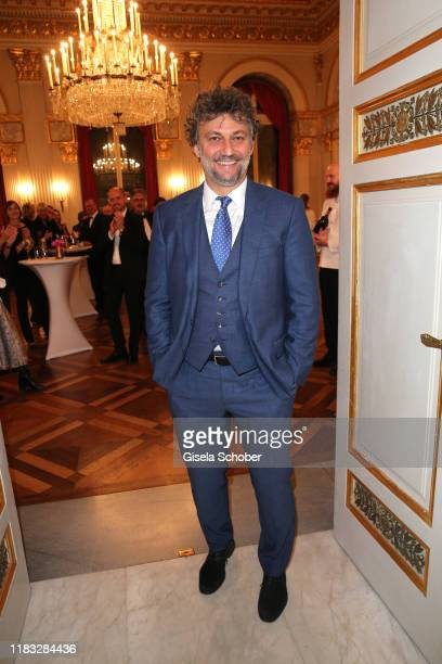 "Opera singer Jonas Kaufmann at the opera premiere of ""Die tote Stadt"" by Erich Wolfgang Korngold at Bayerische Staatsoper on November 18, 2019 in..."