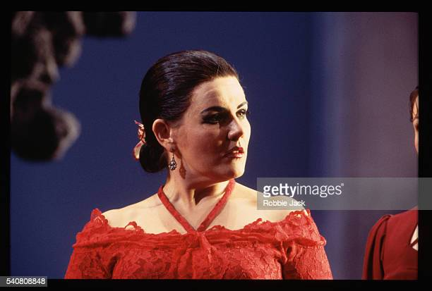 opera singer louise winter - robbie jack stock-fotos und bilder