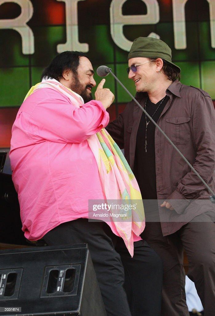 Pavarotti and Friends Concert Sound Check : Nachrichtenfoto