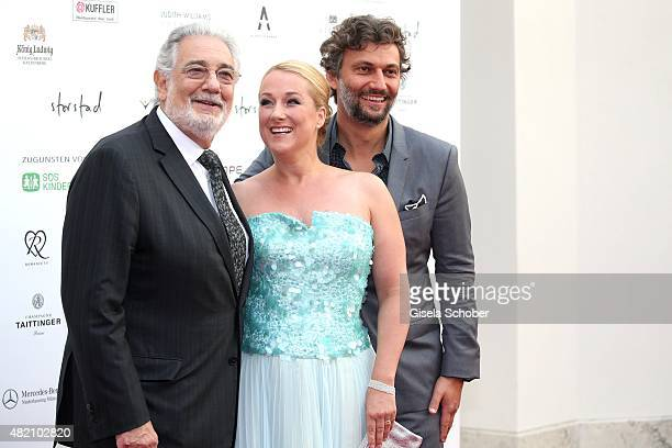 Opera singer Placido Domingo Diana Damrau and Jonas Kaufmann during the 'Die Goldene Deutschland' Gala on July 26 2015 at Cuvillies Theater in Munich...