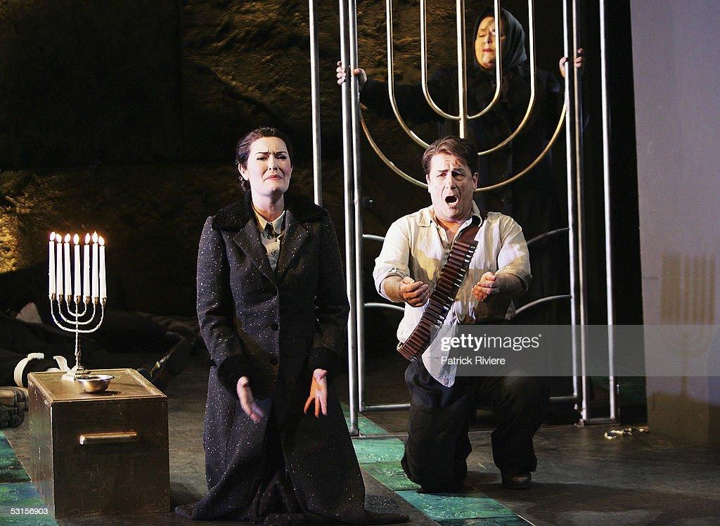 Opera singers, Tenor Geoffrey Harris and Mezzo-soprano