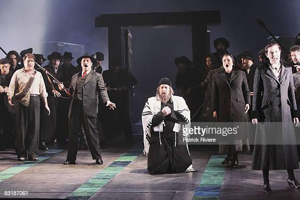Opera singers Tenor Geoffrey Harris Baritone Michael Lewis Bassbaritone Daniel Sumegi Soprano Elizabeth Connell and Mezzosoprano Catherine Carby and...