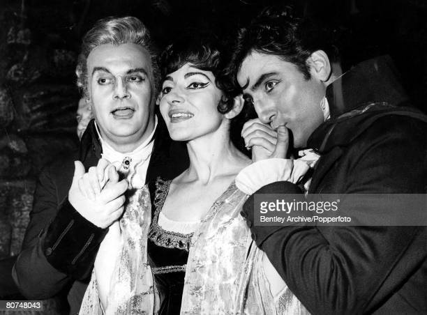Opera Singing 6th July 1965 Covent Garden London Famous Italian Opera singer Maria Callas takes a curtain call with her costars Tito Gobbi left and...