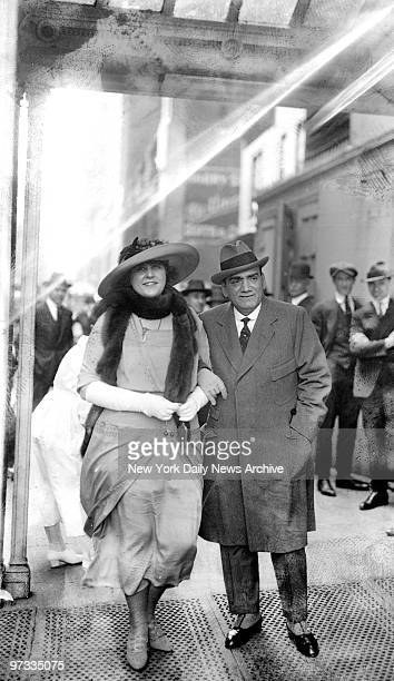 Operatic tenor Enrico Caruso and his wife Dorothy