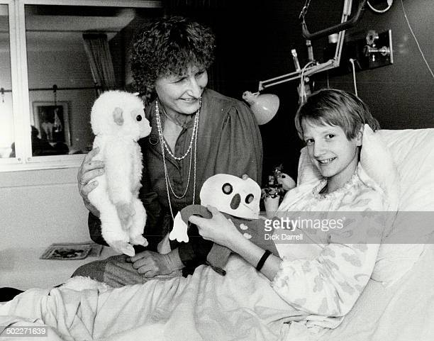 Operation a success Happy mother Barbara Trettner visits her daughter Charlotte 12 in Mount Sinai Hospital after the girl underwent 14 hours of rare...