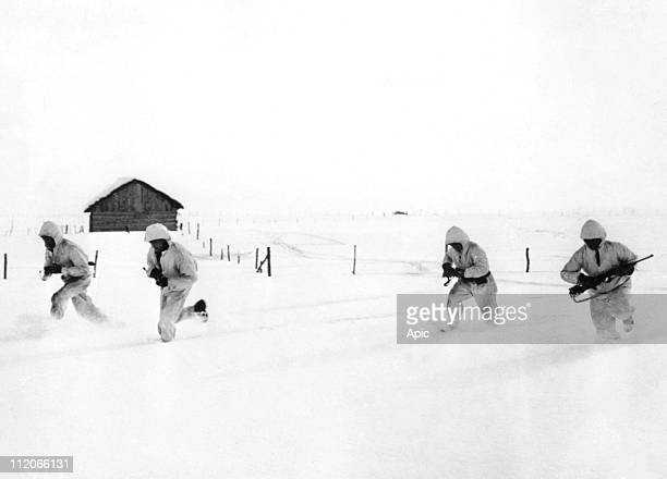 Russian soldiers in the snow during winter 1941 1942 on the russian front