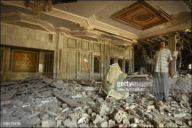 Operation Iraqi Freedom Iraqis Loot The Presidential Palace Of Saddam Hussein On April 12 2003 In Baghdad Iraq