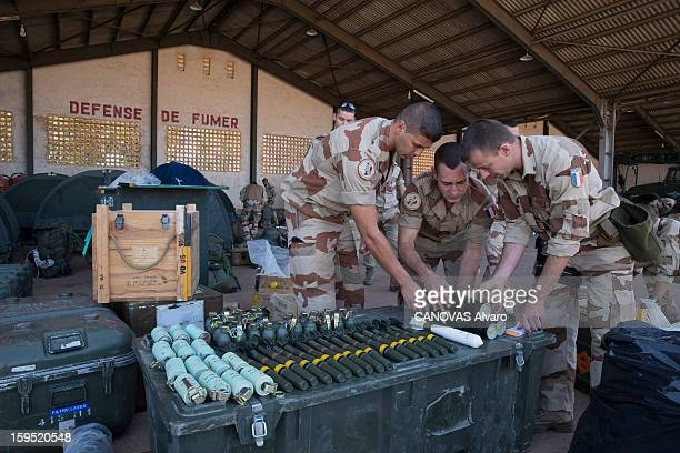 Operation 'Serval' of the French army in Mali to fight against Islamist terrorists, on the basis of the Malian Air Force at Bamako the French soldiers of the 2E RIMA prepare for battle and await their departure in the region of Mopti 700 km from Bamako on January 14, 2013.