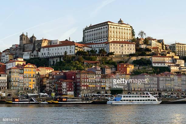 oporto and douro river - bairro antigo imagens e fotografias de stock