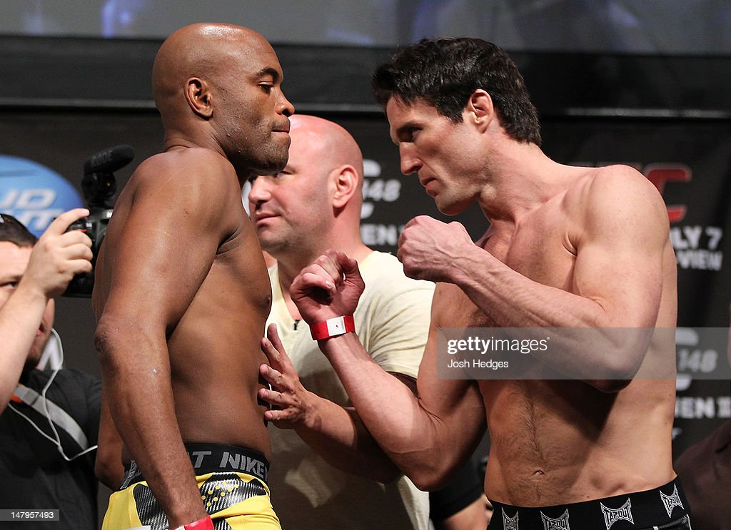 UFC 148 Weigh In : News Photo
