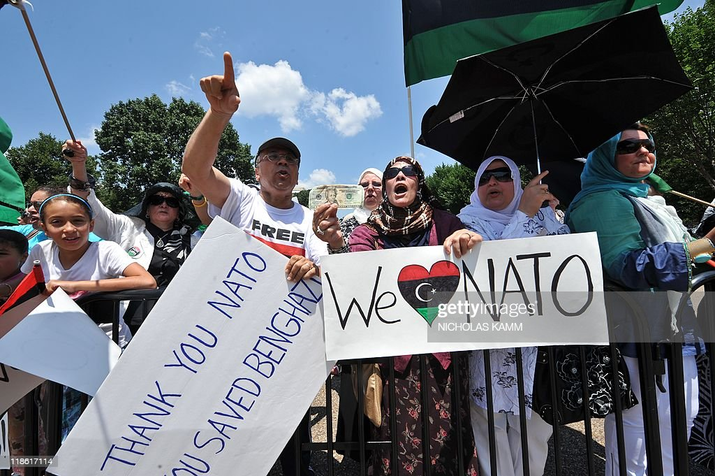 Opponents of Libyan leader Moamer Kadhaf : News Photo