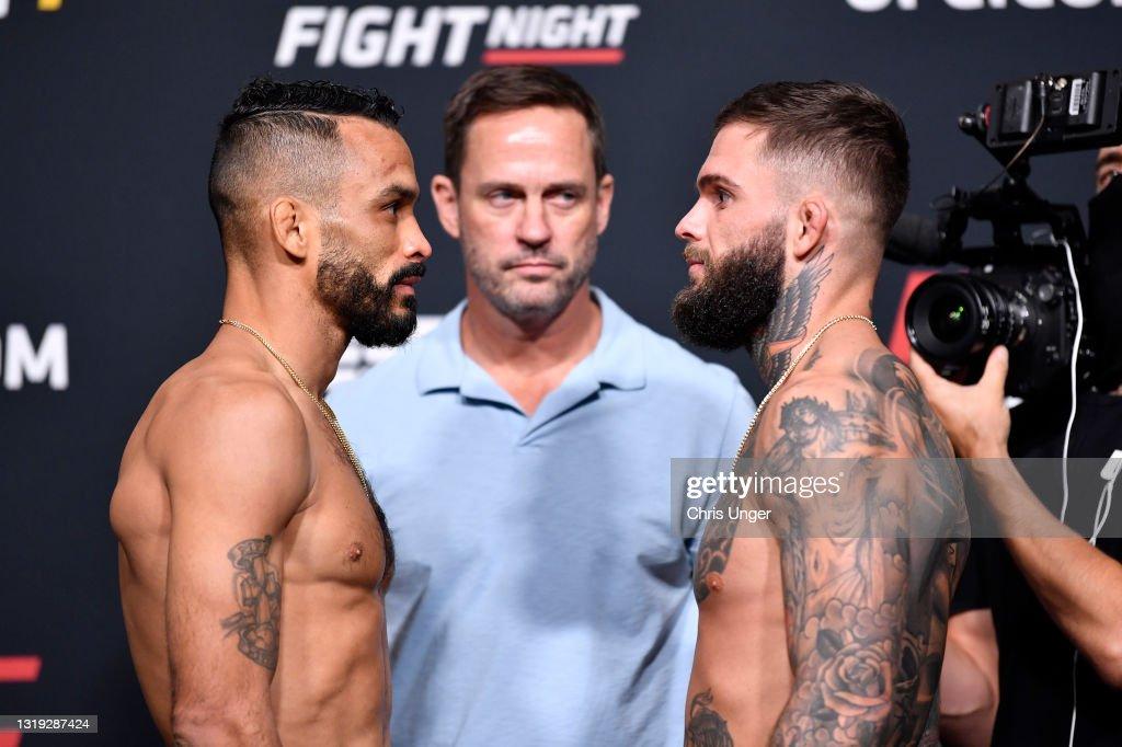 UFC Fight Night: Font v Garbrandt Weigh-in : News Photo
