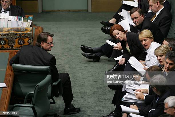 Opposition Leader Mark Latham and the opposition front bench during Question Time in the House of Representatives on 29 November 2004 SMH NEWS...