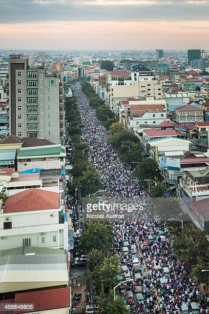 Opposition supporters rally in mass on December 22 2013 in Phnom Penh Cambodia Following a week of protests supporters of the Cambodia National...