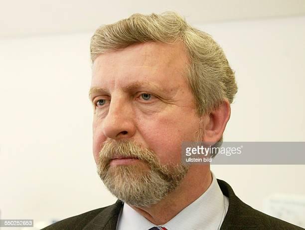 Oppositionsführer Alexander Milinkewitsch während einer Pressekonferenz anlässlich seines Besuches im Berliner KonradAdenauerHaus