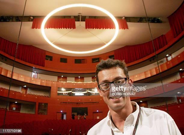 """Opéra et free jazz pour inaugurer le Grand Théâtre de Provence à Aix"""". L'architecte italien Paolo Colao pose le 19 juin 2007 sur la scène principale..."""