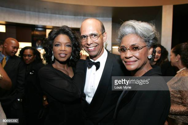 Oprah Winfrey, Dr. Michael Lomax, president of UNCF and Nancy Wilson