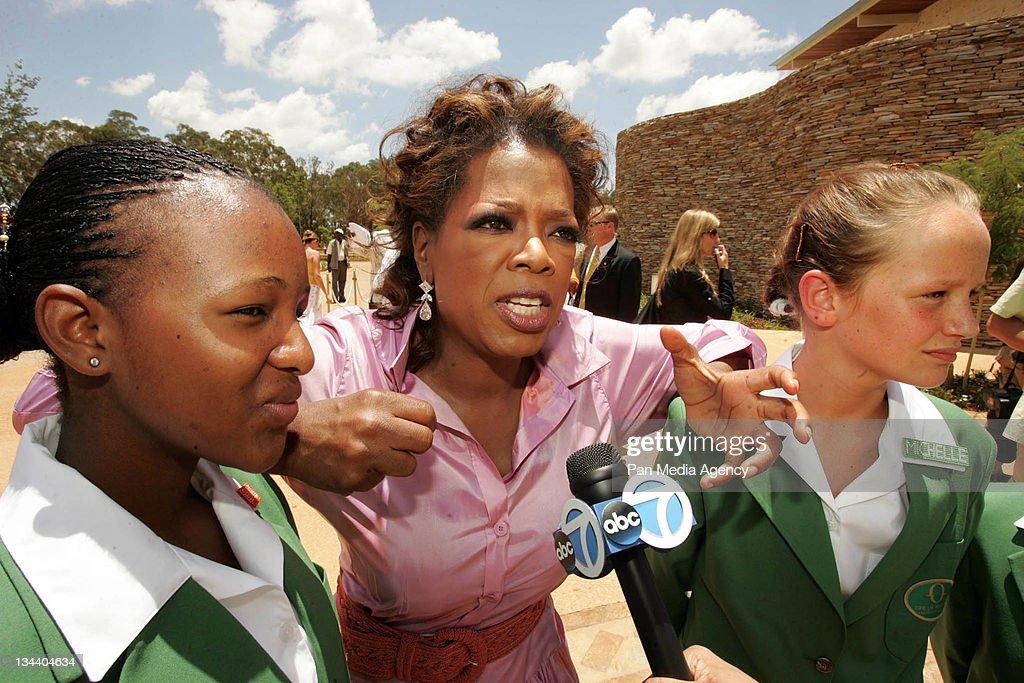 Resultado de imagem para oprah winfrey leadership academy