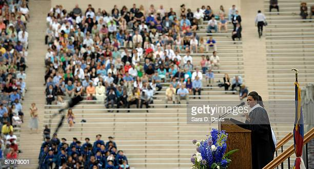 Oprah Winfrey speaks during the 2009 commencement ceremony at Duke University on May 10 2009 in Durham North Carolina Winfrey was the 2009...