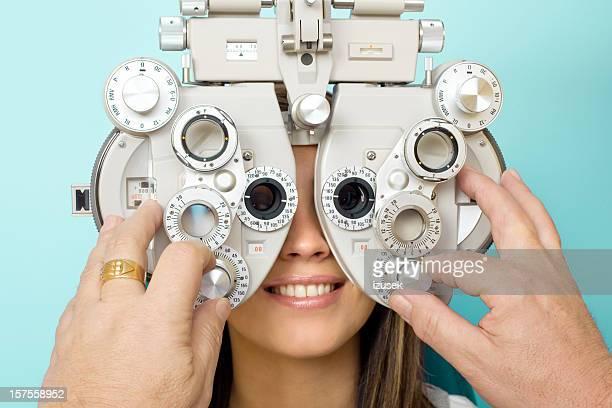 Optometrista examen ocular Phoroptor
