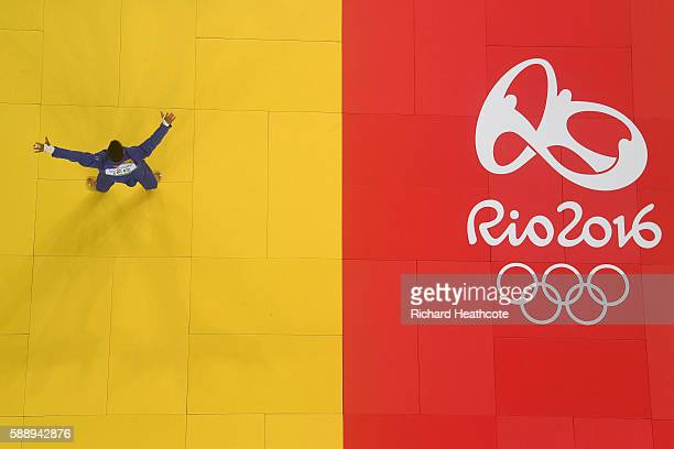 Or Sasson of Israel celebrates after defeating Alex Garcia Mendoza of Cuba during the Men's 100kg Judo contest on Day 7 of the Rio 2016 Olympic Games...