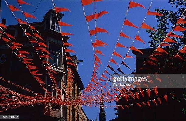orange and blue - オランダ 王の日 ストックフォトと画像