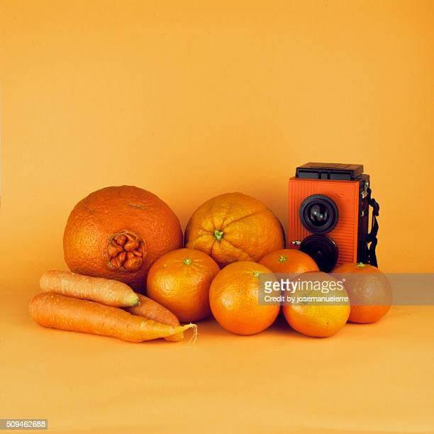 orange carrots - still life - josemanuelerre fotografías e imágenes de stock