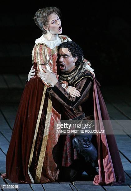 Patrizia Ciof and Rolando Villazon perform in Lucia di Lammermoor a threeact opera by Donizetti directed by PaulEmile Fourny and Marco Guidarini 26...