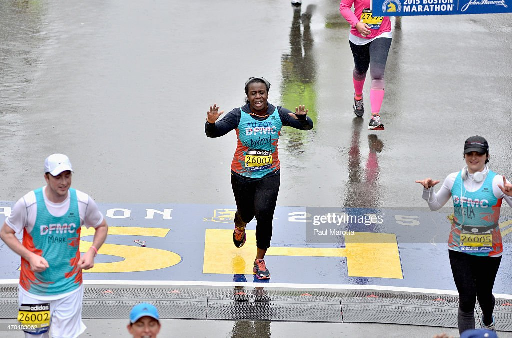 """Orange Is The New Black"" Star Uzo Aduba Ran 2015 Boston Marathon To Support Boston's Dana-Farber Cancer Institute Boston-area Native Joined Dana-Farber Marathon Challenge (DFMC) Team To Raise Funds For Cancer Research At Dana-Farber : News Photo"