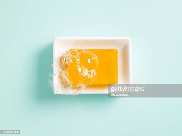 Orange savon dans un plat
