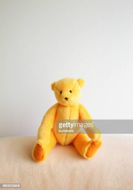 orange teddy bear - ぬいぐるみ ストックフォトと画像